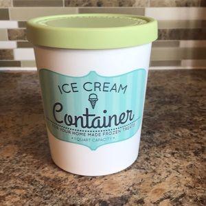 1 QT ice cream container